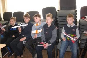 Vaikai skraidino lėktuvėlius (2016-04-01)